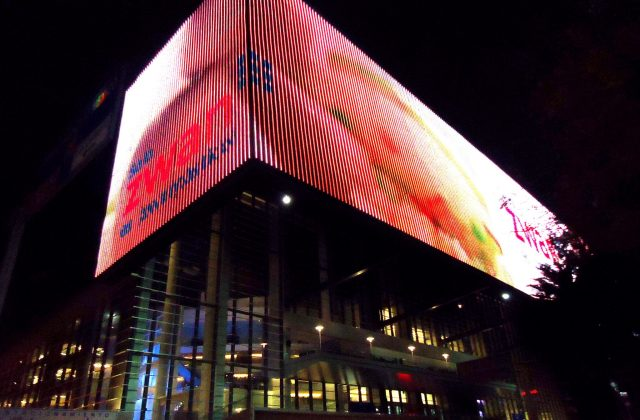 Arena_at_night-Arena_de_noche